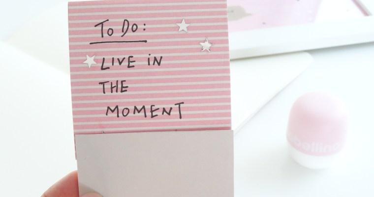 DIY: Notizbüchlein und Sternzeichenbild ganz einfach selber machen //life