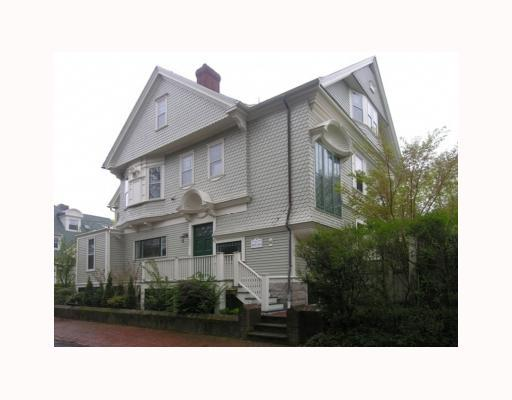 86 Rhode Island Avenue, Newport