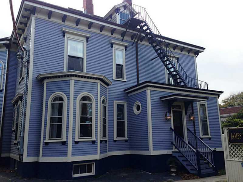 102 Touro Street, Newport