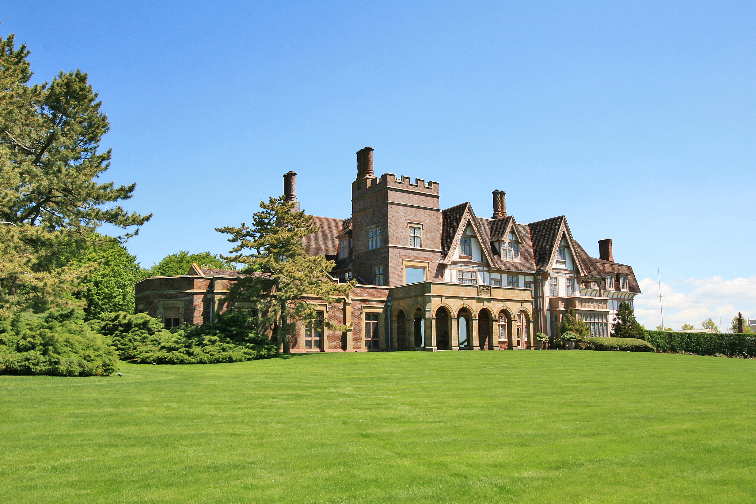 LILA DELMAN REAL ESTATE INTERNATIONAL ANNOUNCES SALE OF HISTORIC FAIRHOLME ESTATE