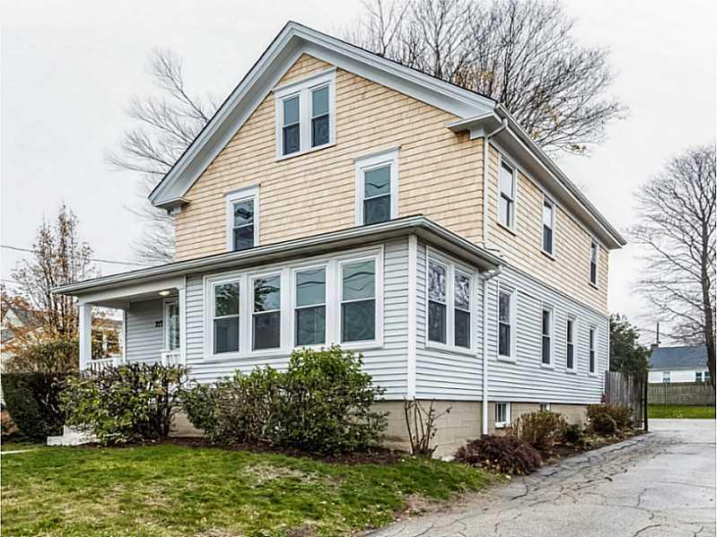 217 West Main Road, Middletown