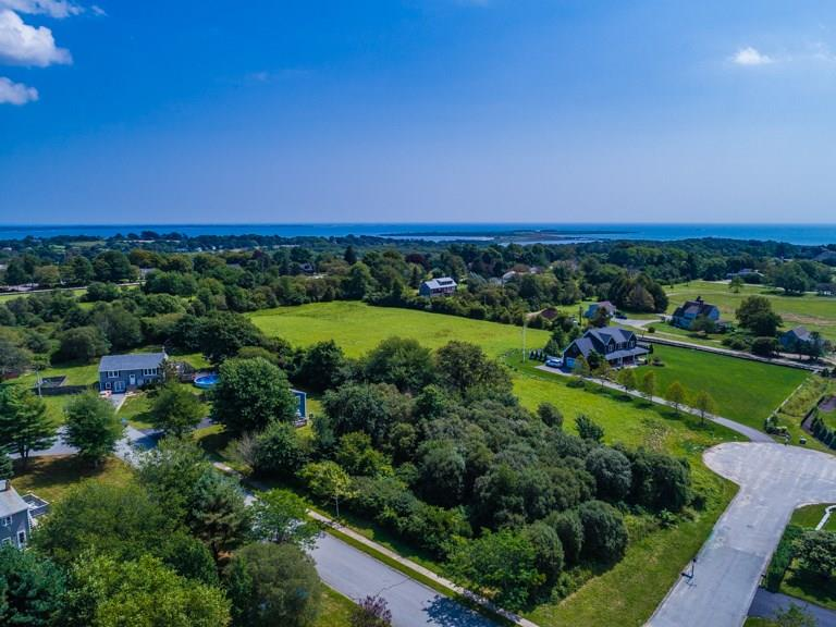15 Lewis Drive, Middletown