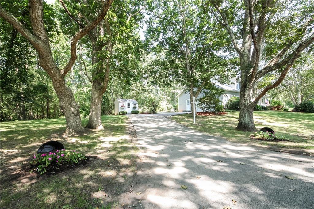 67 Brush Hill Road, Narragansett