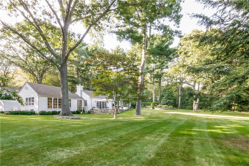 180 Willett Road, Narragansett