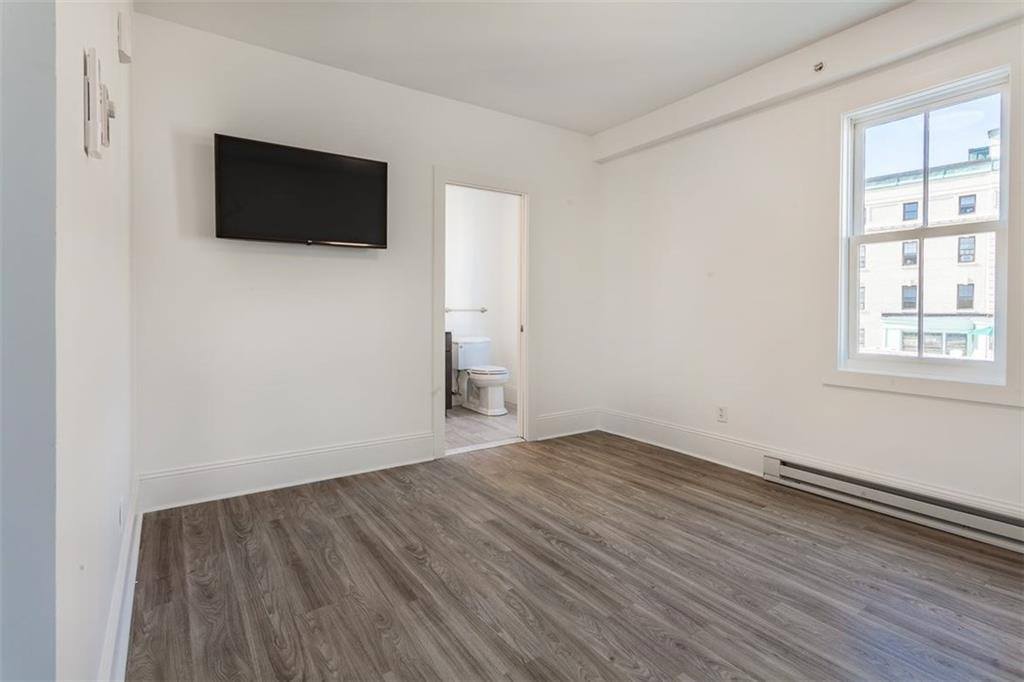 8 - 10 Broadway, Unit#3, Newport