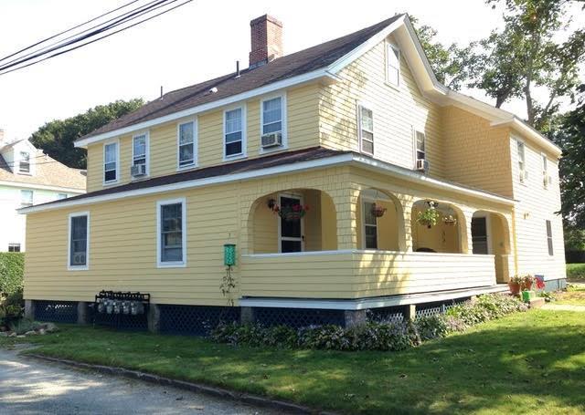 16 Mathewson Street, Narragansett