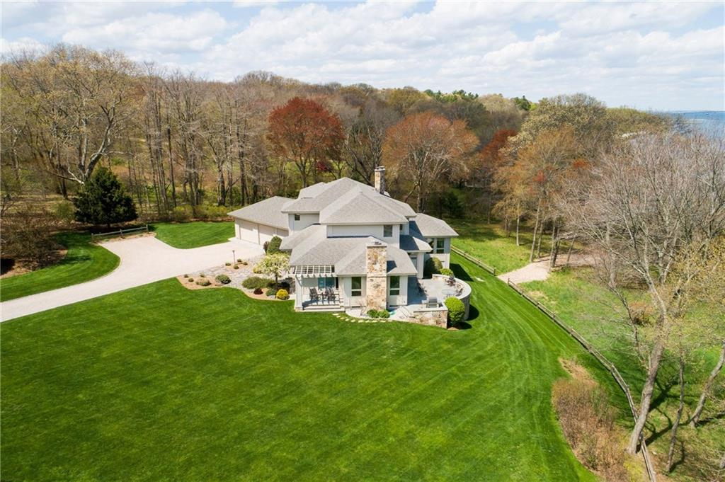 55 Searidge Drive, Narragansett