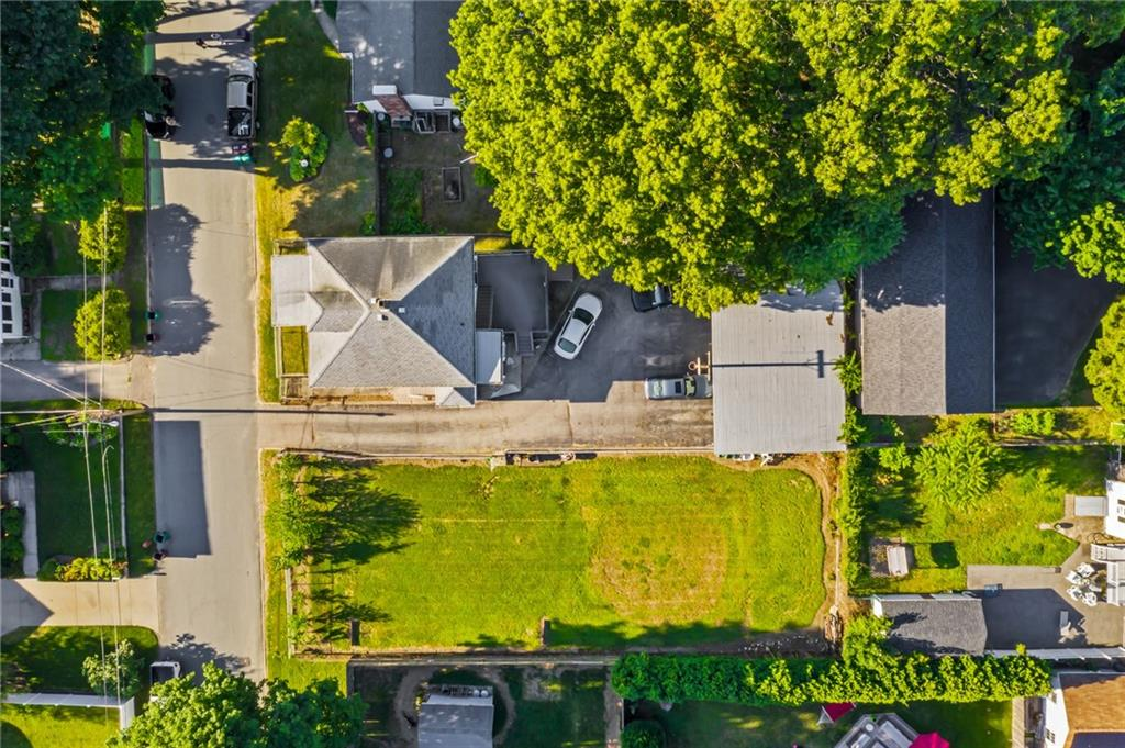 56 Lilac Avenue, Woonsocket