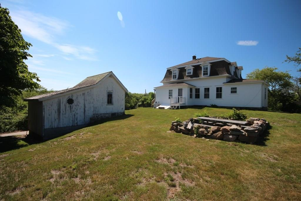 822 Beacon Hill Road, Block Island