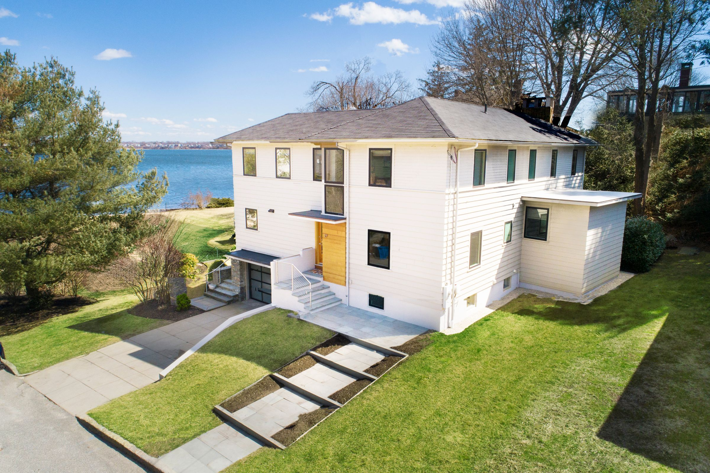 EDGEWOOD WATERFRONT CONTEMPORARY SELLS FOR $1.245M MARKING HIGHEST SALE IN CRANSTON SINCE SEPTEMBER 2017*