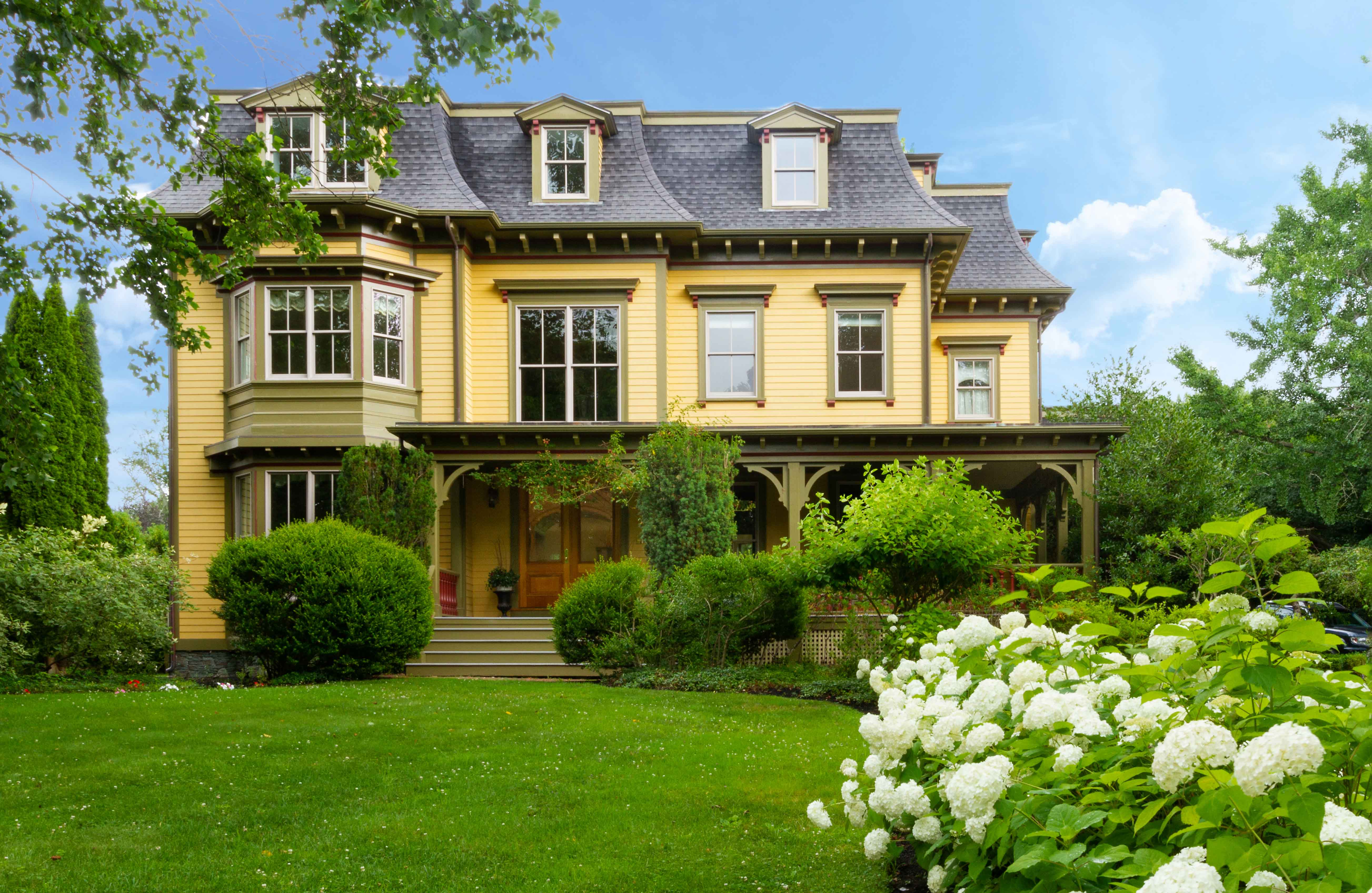 LILA DELMAN REAL ESTATE CONTINUES TO LEAD NEWPORT'S LUXURY MARKET WITH THE SALES OF 104 OLD BEACH ROAD AND 9 CLIFF TERRACE
