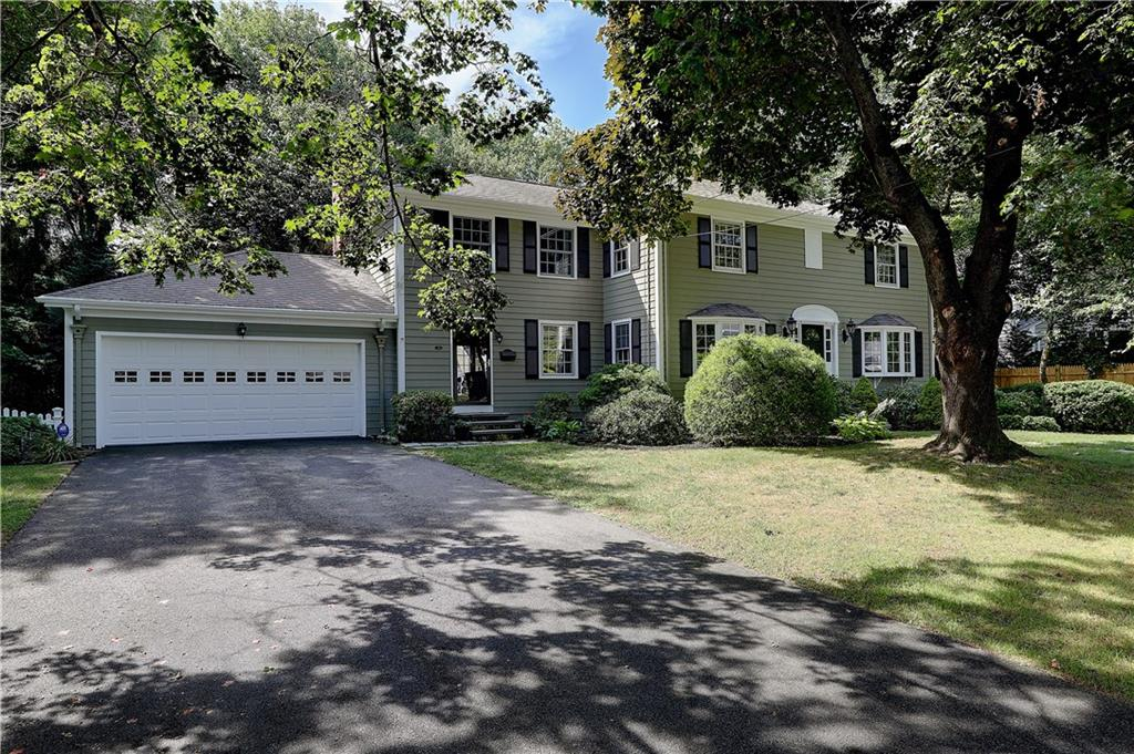 113 Governor Bradford Drive, Barrington