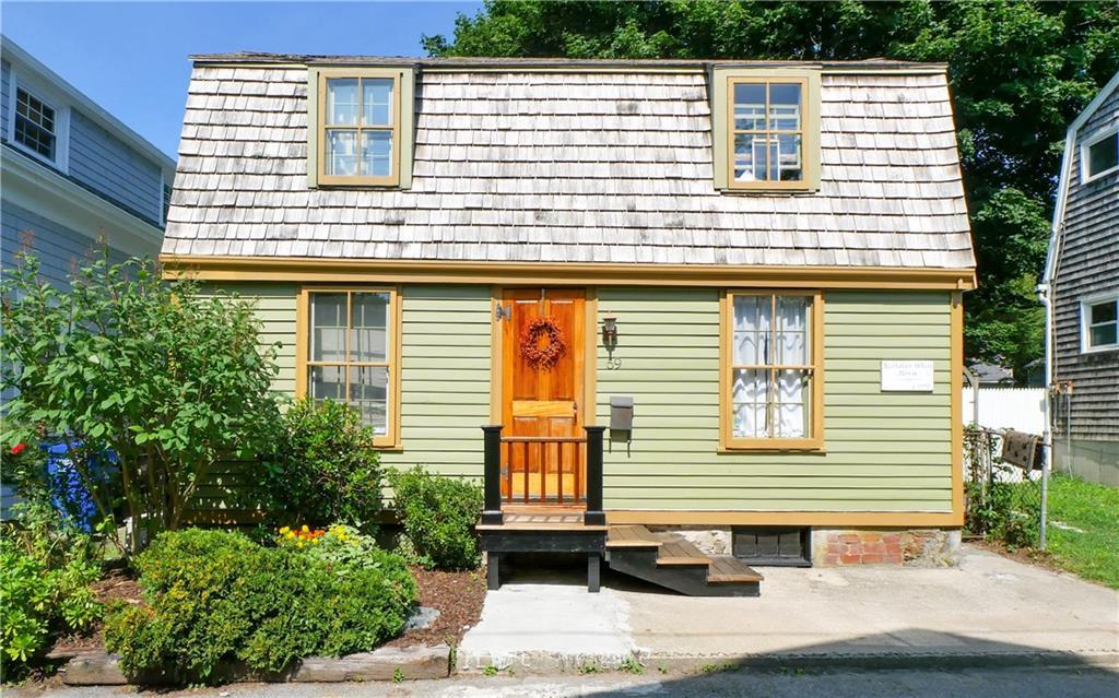 69 Tilden Avenue, Newport