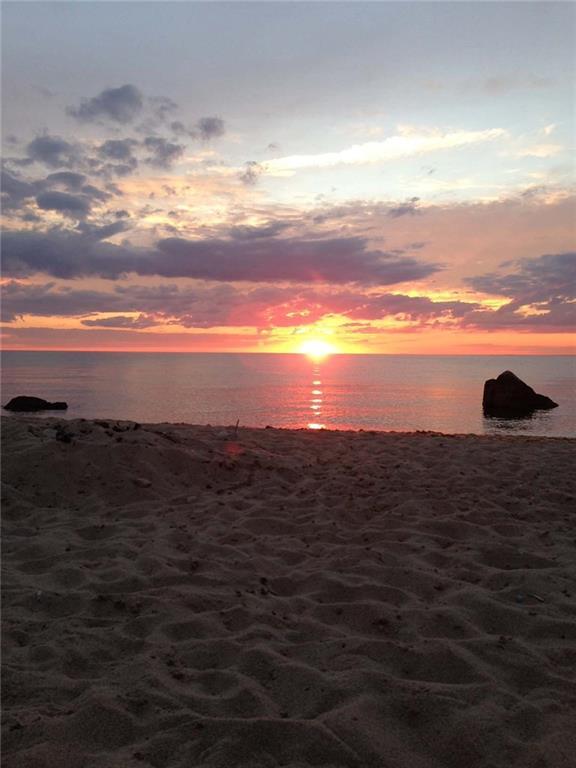 956 Off Dorries Cove, Block Island