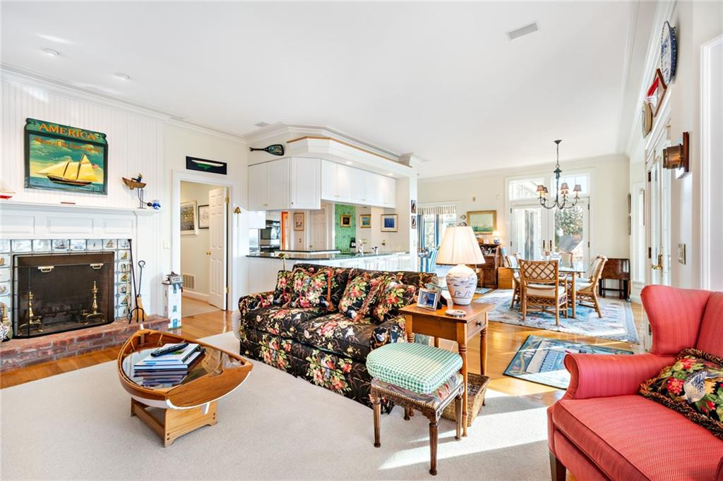 9 Water's Edge Road, Westerly