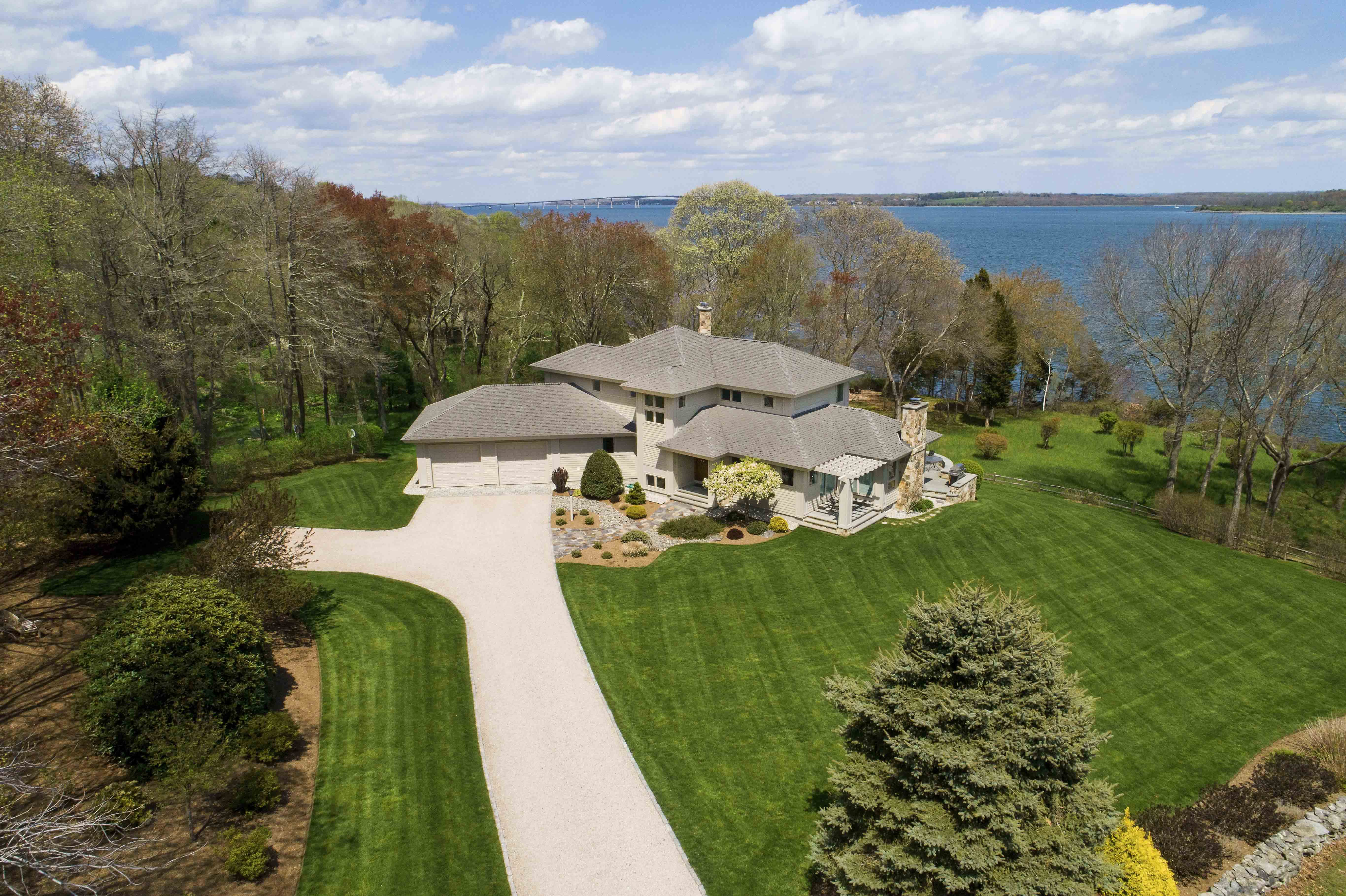 NARRAGANSETT CONTEMPORARY SELLS FOR $2.5M, MARKING THE 2ND HIGHEST SALE IN NARRAGANSET YEAR-TO-DATE*