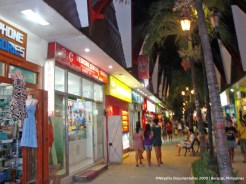 Some shops in Boracay that I'm not really very happy about. Most of their products are overpriced and most of them sell stuff that are made in China. Not so much local love here (sad face).