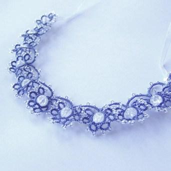 Collier frivolité bleur cristal de roche