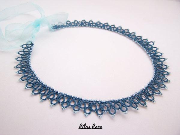 Collier dentelle bleu