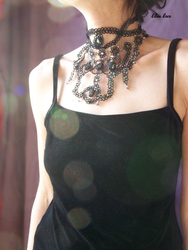 Collier Moulin Rouge 4