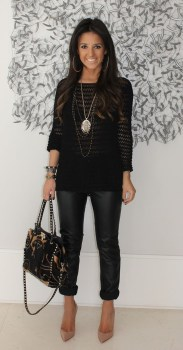 Look social total black com mix de colares.