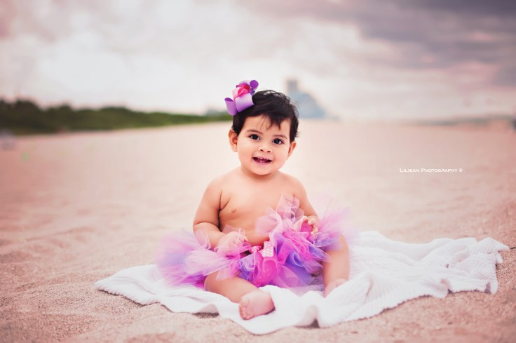 Birthday Beach Session Kids Photographer Cake Smash miami sunny isles aventura family photography