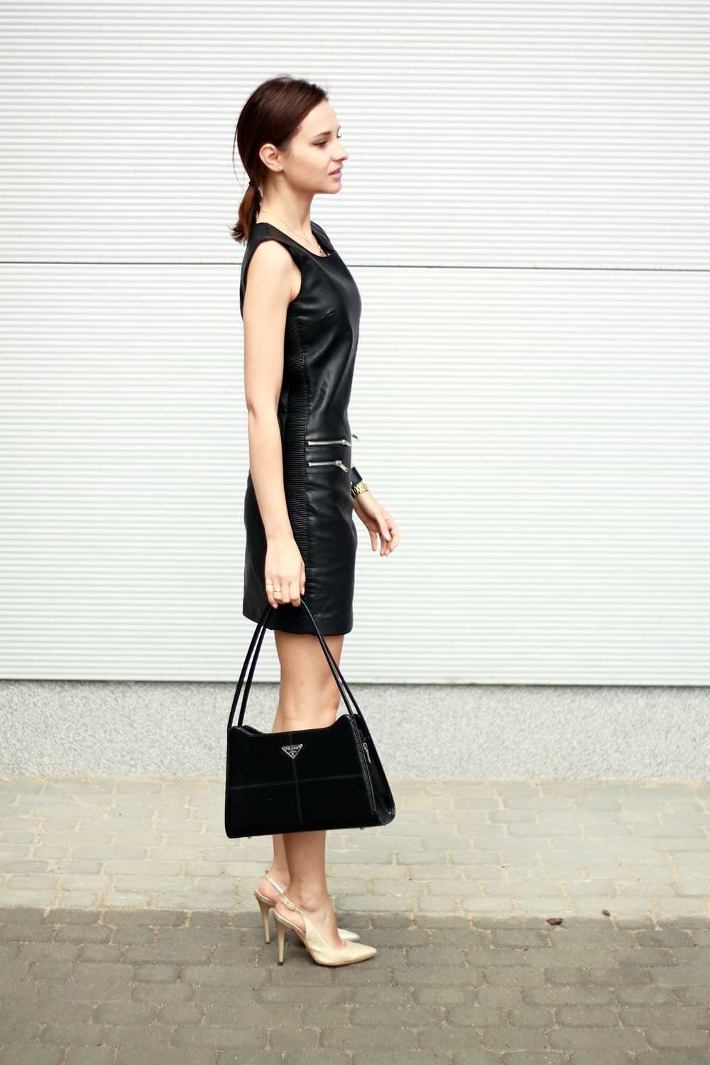 fashion blog street style chic vogue tumblr girl black dress lilicons 1