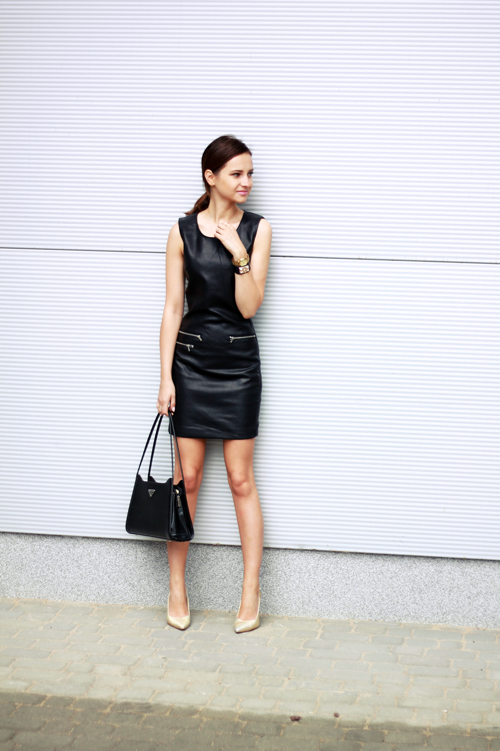 fashion blog street style chic vogue tumblr girl black dress lilicons 3
