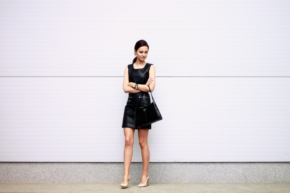 fashion blog street style chic vogue tumblr girl black dress lilicons 4