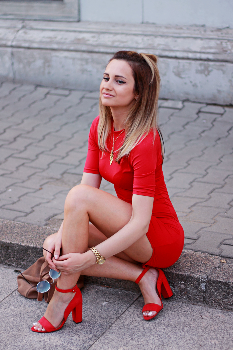 best summer street style fashion red dress blonde pretty girl tumblr ootd outfit lookbook look what to wear