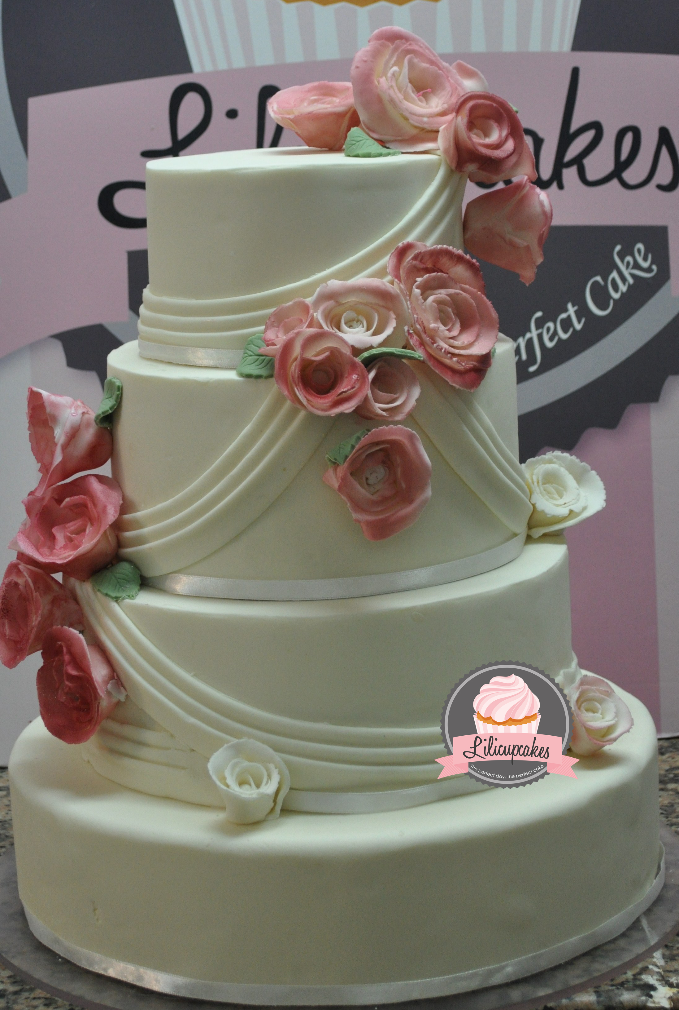 wedding cake  LiliCupcakes