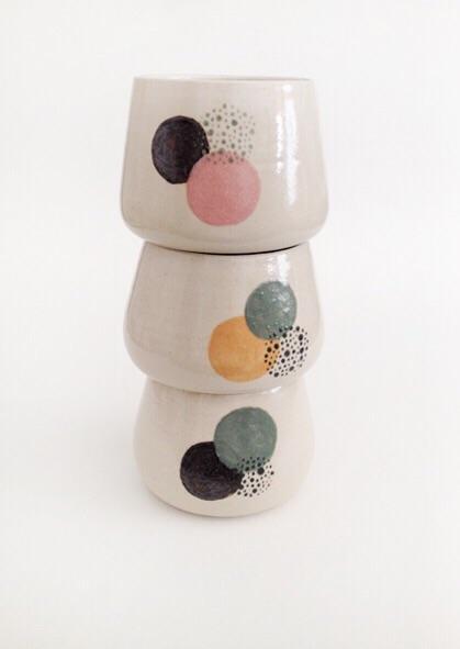 tasse-ceramique-points-poids-audrey-charre-designmoiquitues