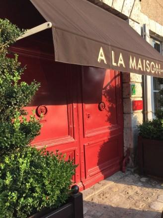 restaurant à la maison porte rouge bienvenue