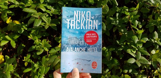 Avalanche Hôtel de Niiko Takian