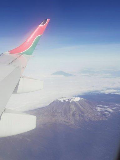 vol au dessus du kilimanjaro