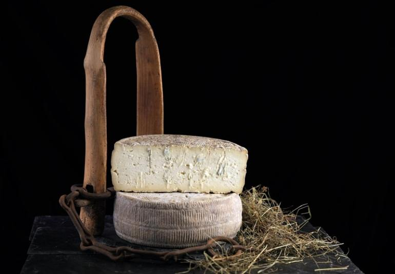 formaggi-bergamaschi-Strachitunt