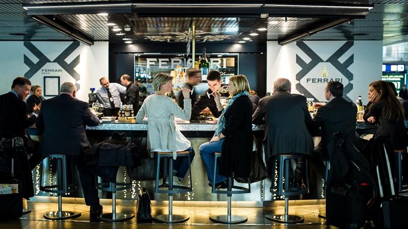I Migliori Bar In Aeroporto Dove Bere Tra Un Volo E L Altro