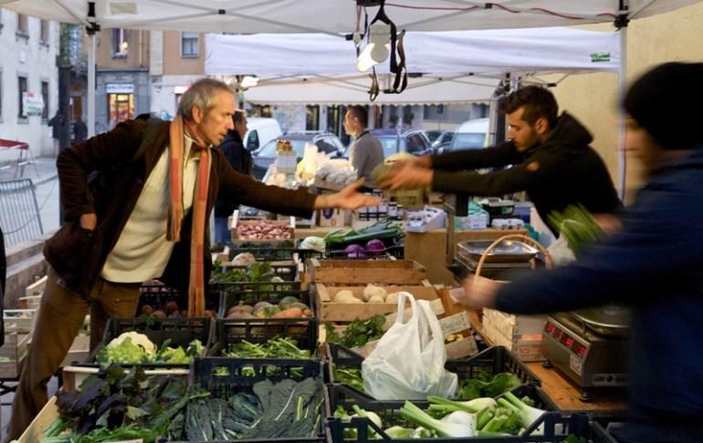 mercato agricolo di cascina cuccagna a Milano