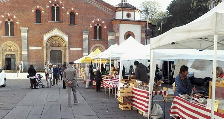 Mercato agricolo piazza sant'eustorgio milano