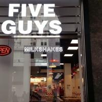 Come si mangia da Five Guys a Milano e quanto si paga
