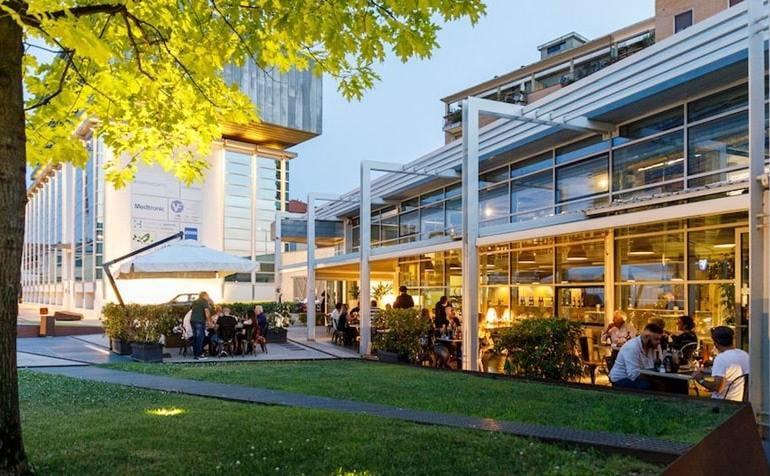 Mangiare all'aperto a Milano La Forgiatura_Bistro
