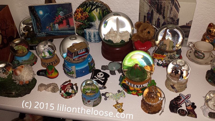 Souvenir A Buying Guide For Snow Globes Lili On The Loose