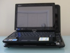Bottom: IdeaPad S10-2 / Top: Eee PC T91