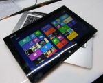 Hands-on with the Asus Transformer Book 13.3″ convertible tablet