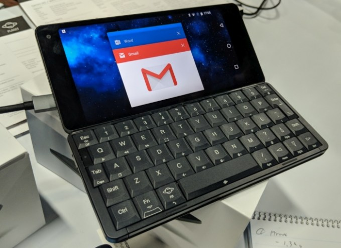 Hands-on with the Gemini PDA handheld PC with Android, Linux and a 6