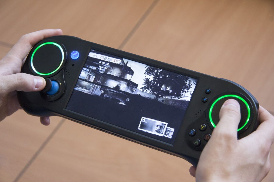 Smach Z hardware finalized, handheld gaming PC set to debut at E3