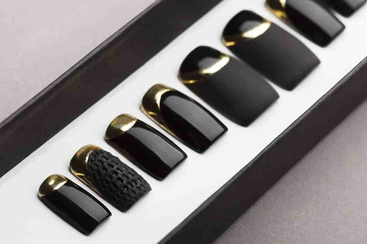 Black Matte and Gloss Press on Nails with Gold and Texture | Nail Art | Fake Nails | False Nails | Glue On Nails | Acrylic Nails