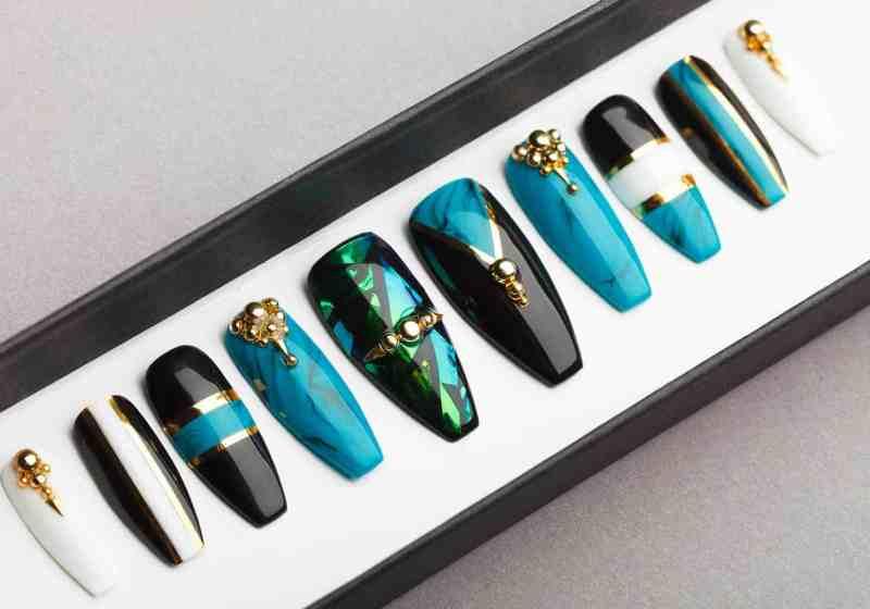 Fabulous Turquoise Press on Nails | Fake Nails | False Nails | Glue On Nails | Shattered Glass | Handpainted Nail Art
