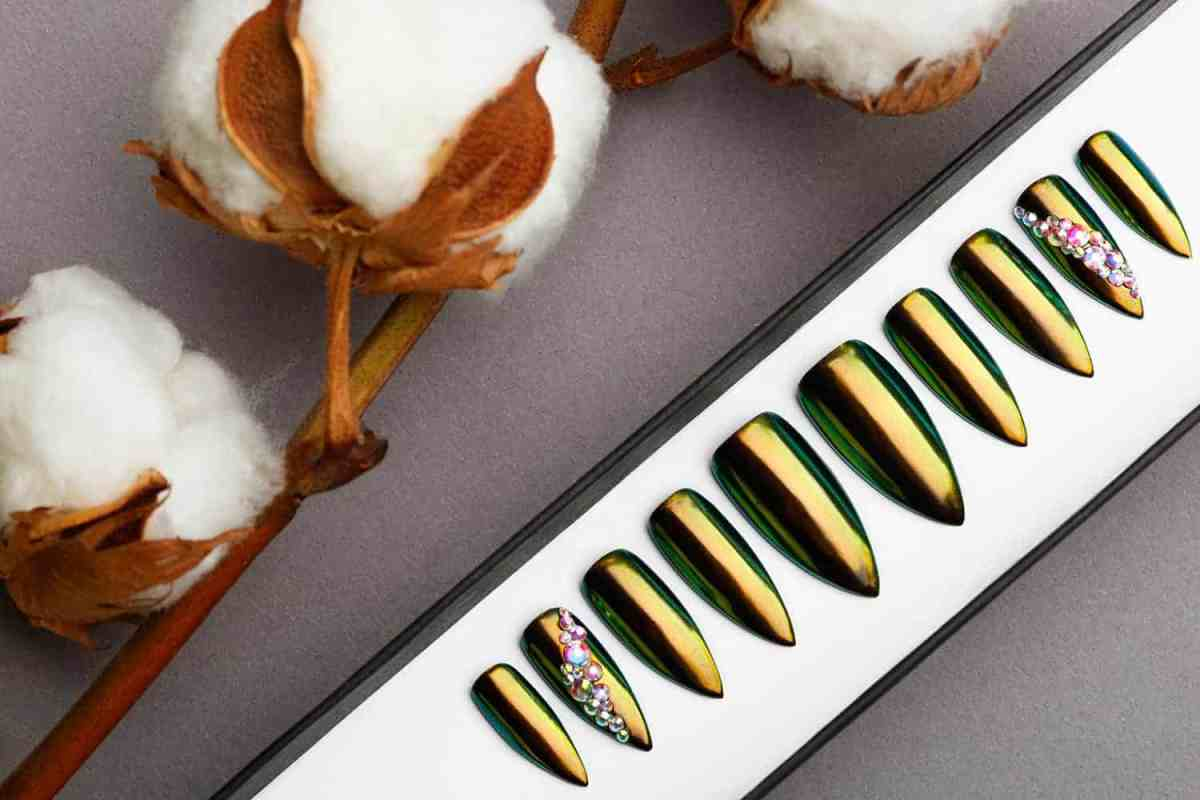 Green and Golden Mirror Press on Nails | Nude Nails | Handpainted Nail Art | Fake Nails | False Nails | Unicorn Nails | Chrome nails