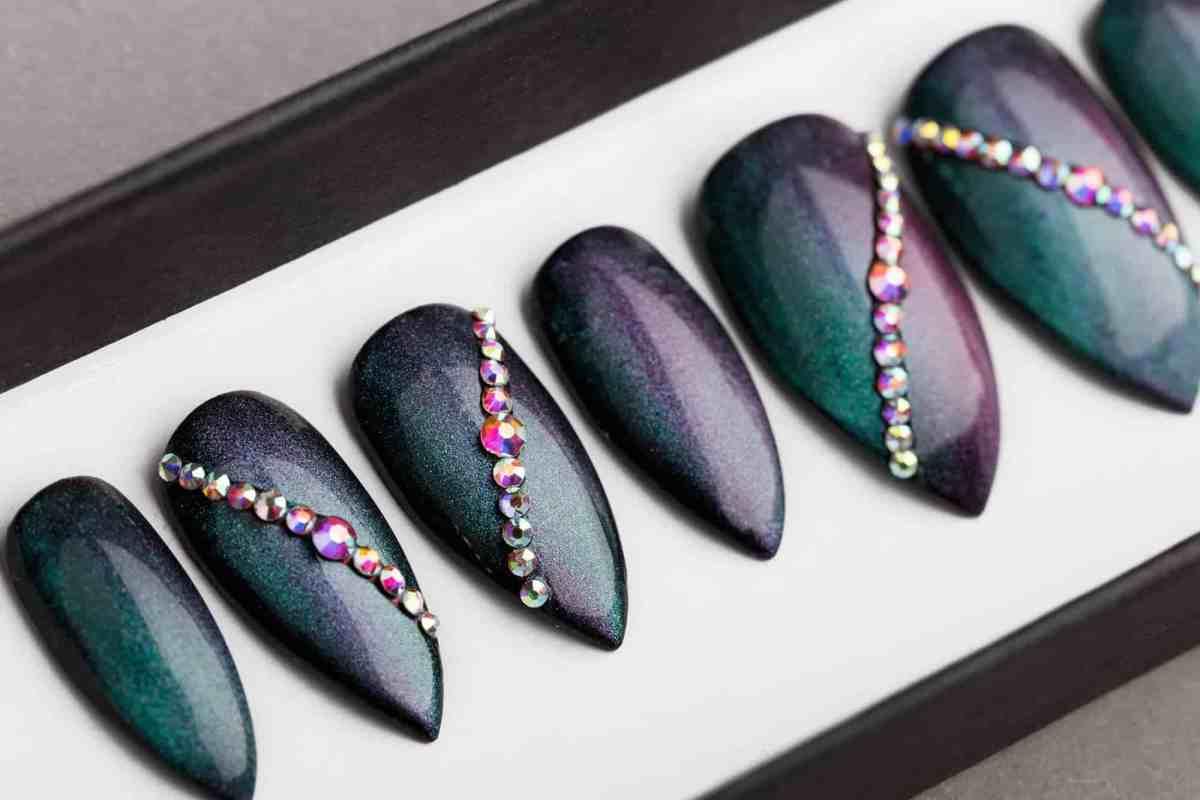 Green / Blue Chameleon Press on Nails   Fake Nails   False Nails   Abstract Nail Art   Bling Nails